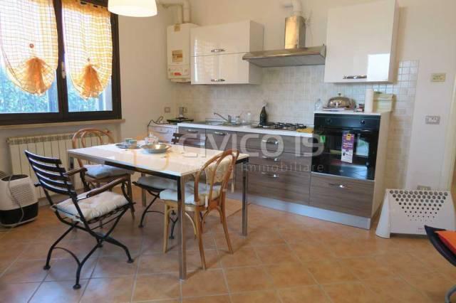 Appartamento in ottime condizioni parzialmente arredato in vendita Rif. 4555925