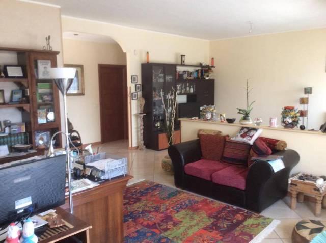 Appartamento in ottime condizioni in vendita Rif. 4416102