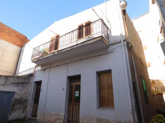 Villa in vendita a Santa Teresa di Riva, 3 locali, prezzo € 75.000 | Cambio Casa.it