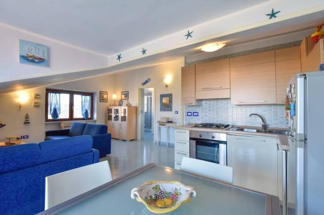 Grazioso appartamento al mare, zona centrale