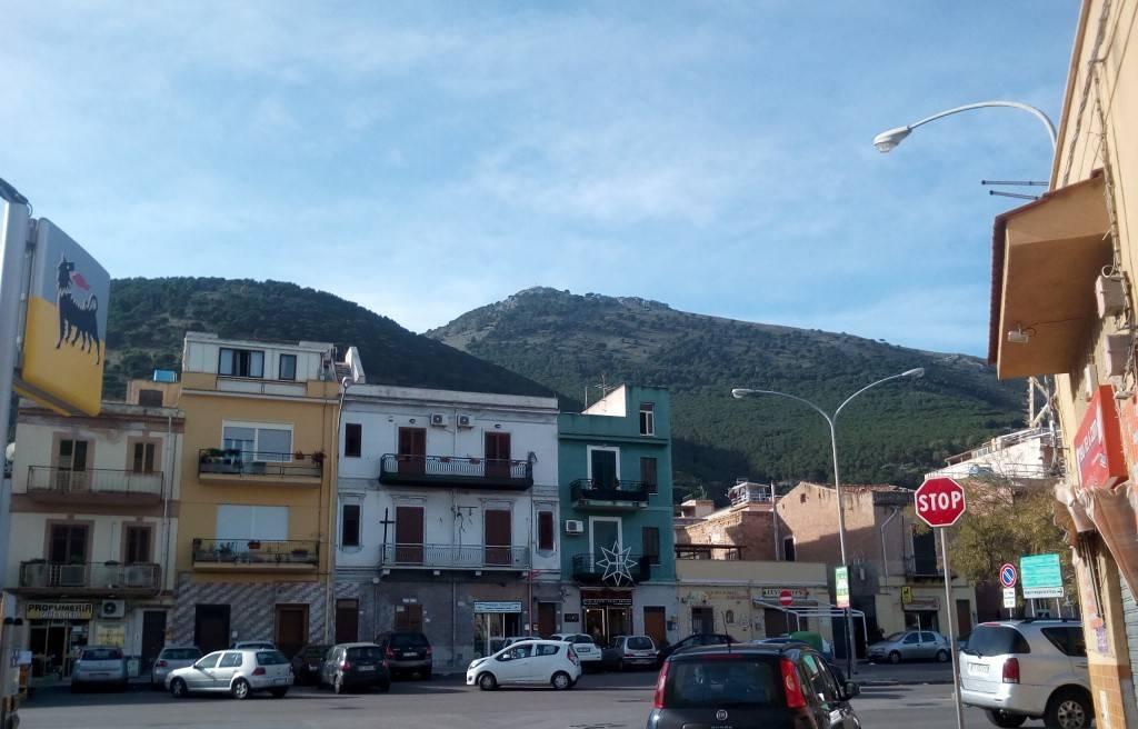 Appartamento in Vendita a Palermo Periferia Nord: 4 locali, 115 mq