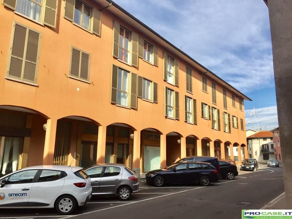 Negozio / Locale in vendita a Cislago, 2 locali, prezzo € 73.000 | CambioCasa.it