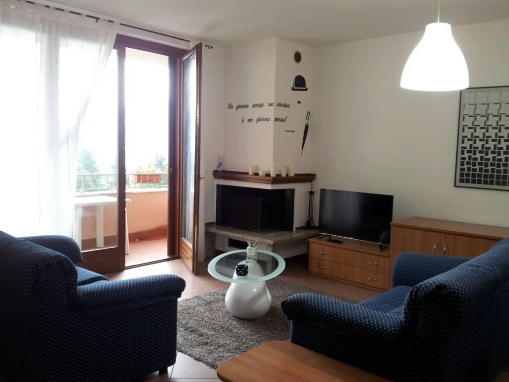 Appartamento in ottime condizioni parzialmente arredato in vendita Rif. 9142522
