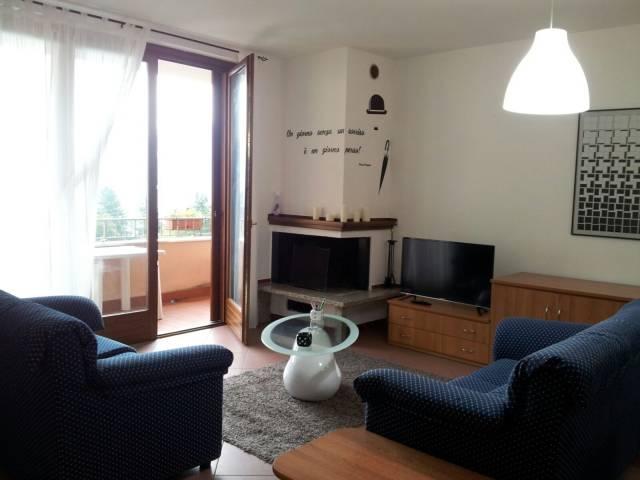 Appartamento in ottime condizioni parzialmente arredato in vendita Rif. 4404412