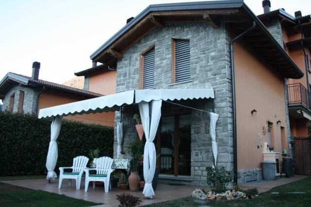 Appartamento in ottime condizioni arredato in vendita Rif. 4221065