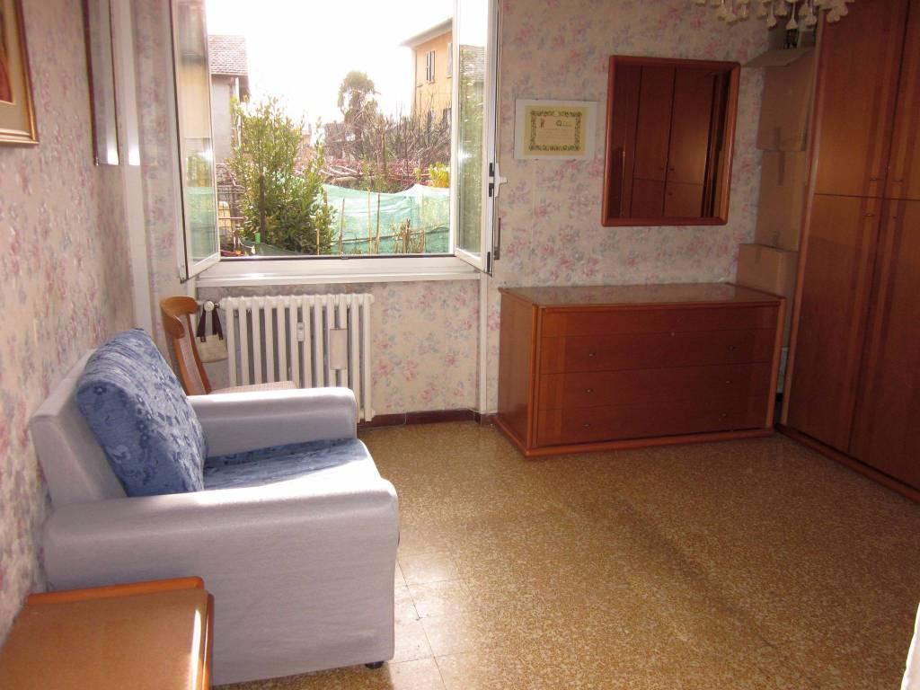Appartamento in vendita a Gavirate, 3 locali, prezzo € 80.000 | CambioCasa.it