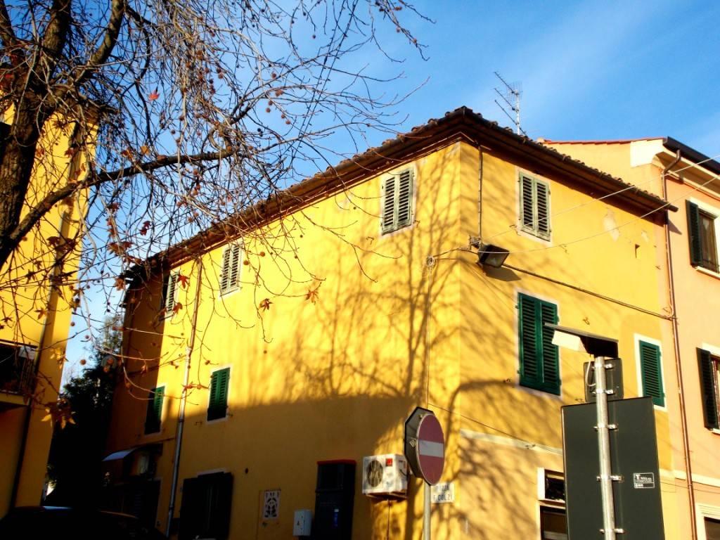 Appartamento da ristrutturare in vendita Rif. 7552168