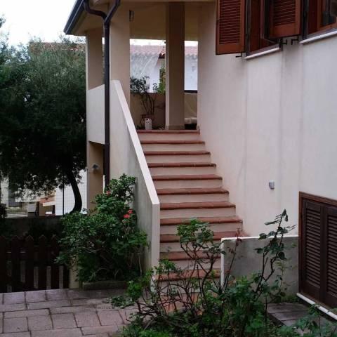 Appartamento in buone condizioni parzialmente arredato in vendita Rif. 4184589