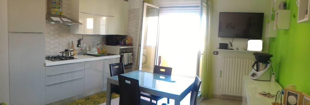 Appartamento parzialmente arredato in vendita Rif. 8325536
