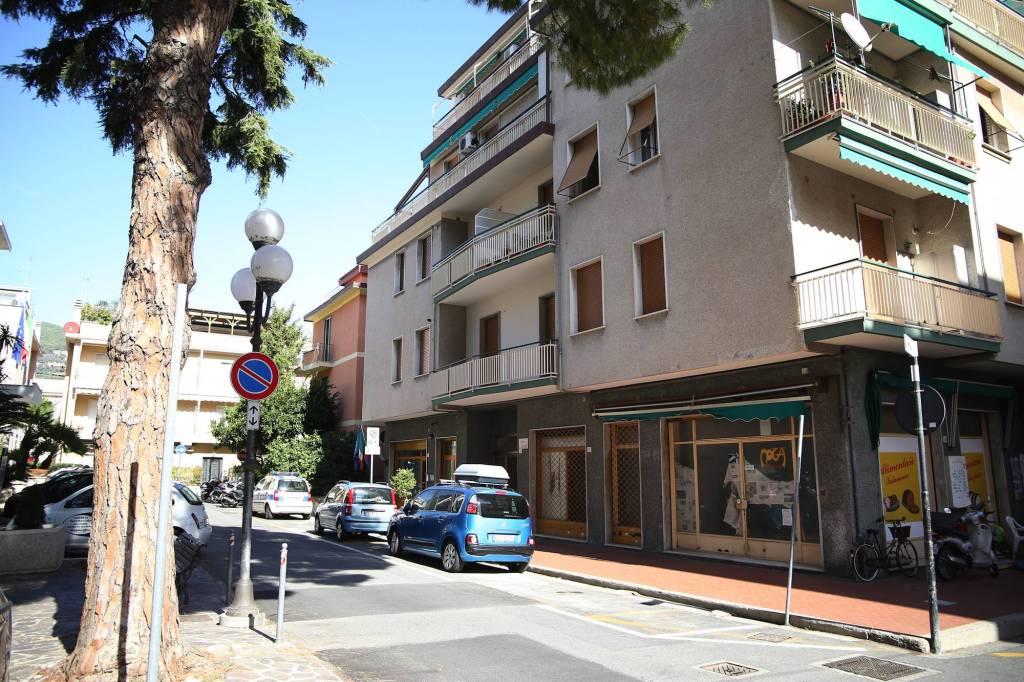 Appartamento in ottime condizioni arredato in vendita Rif. 8651521