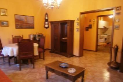 Appartamento in buone condizioni arredato in affitto Rif. 8997179