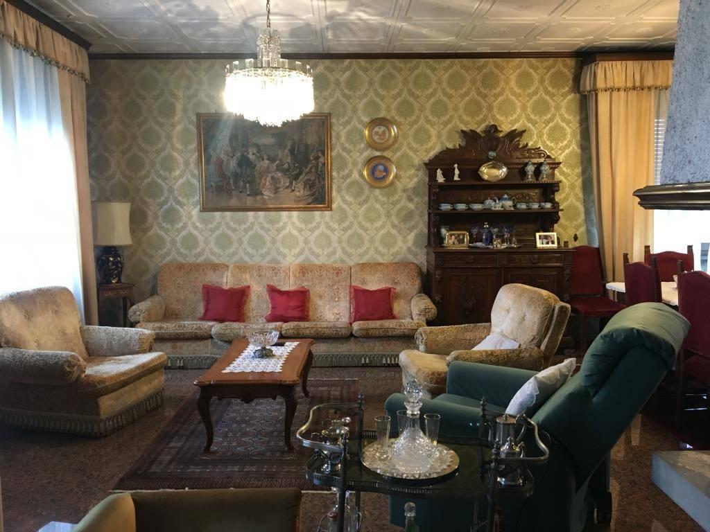 Appartamento in vendita a Bolano, 5 locali, prezzo € 170.000   PortaleAgenzieImmobiliari.it