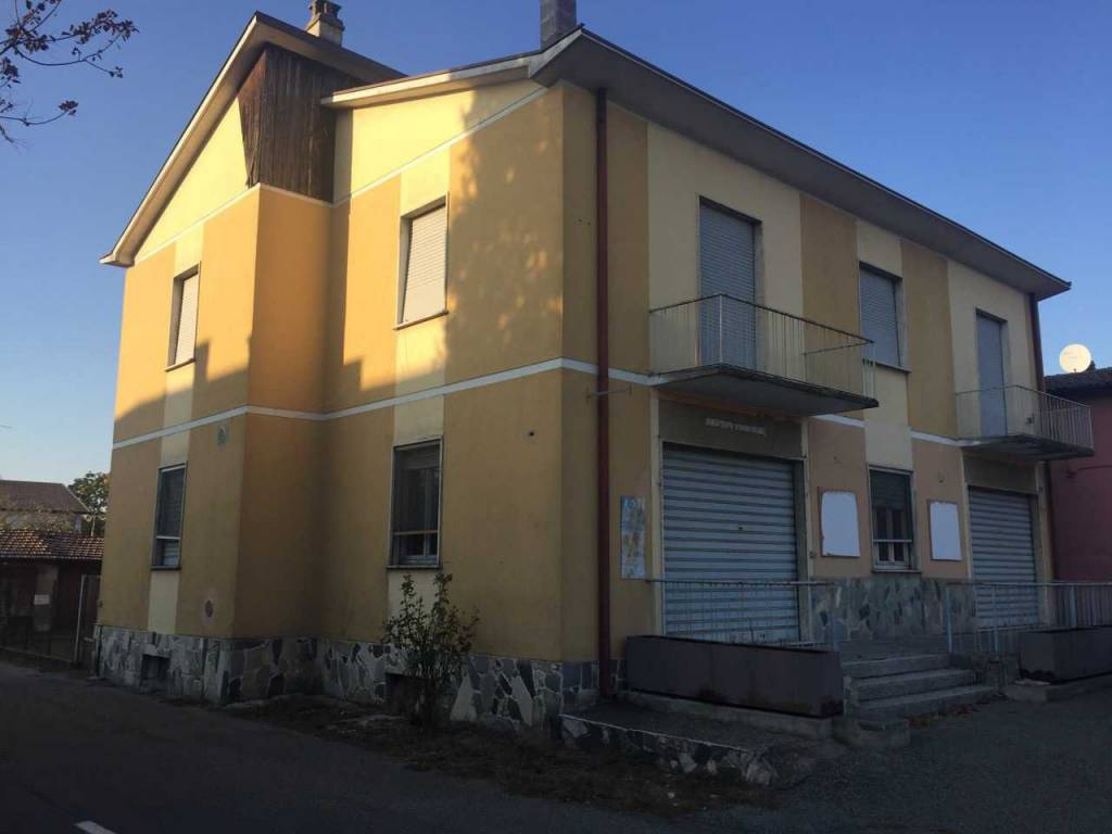 Immobile Commerciale in vendita a Bressana Bottarone, 9999 locali, prezzo € 190.000 | CambioCasa.it
