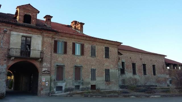 Rustico / Casale da ristrutturare in vendita Rif. 4241876