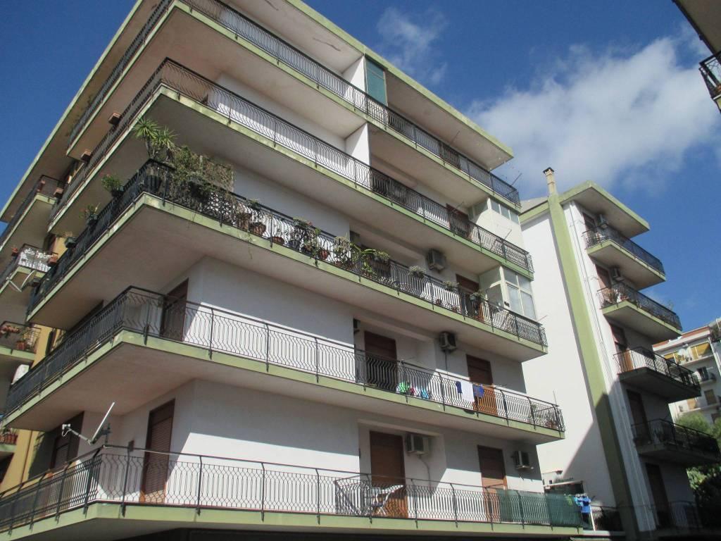 Appartamento da ristrutturare in vendita Rif. 7363148
