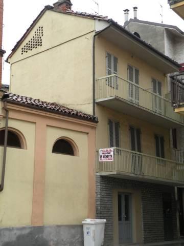 Palazzo / Stabile in Vendita a Canale
