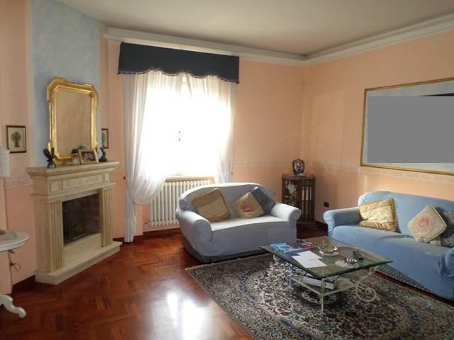 Appartamento in Vendita a Magione: 4 locali, 140 mq