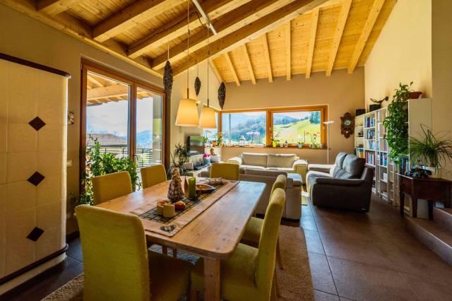 Villa in ottime condizioni parzialmente arredato in vendita Rif. 4914349