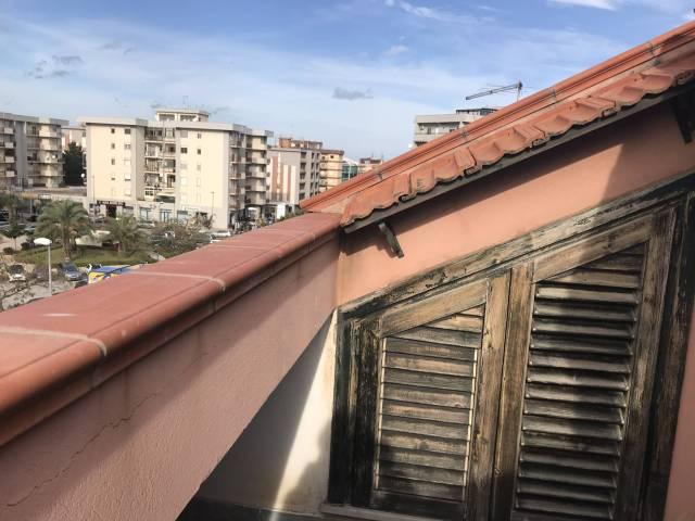 Attico / Mansarda in buone condizioni in affitto Rif. 4247549