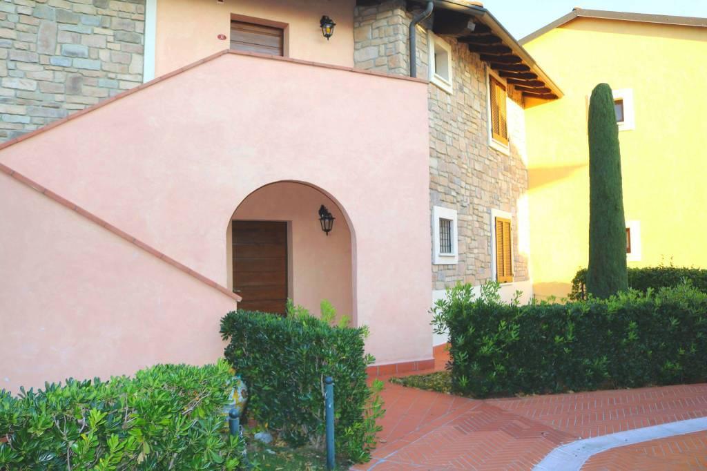 Appartamento in vendita a Peschiera del Garda, 3 locali, prezzo € 417.000 | CambioCasa.it