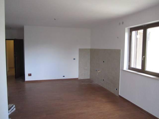 Appartamento in vendita a Rignano Flaminio, 3 locali, prezzo € 125.000 | CambioCasa.it