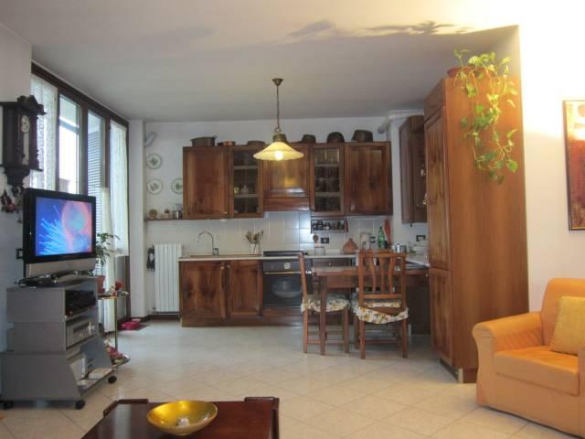 Appartamento in buone condizioni in vendita Rif. 4849264
