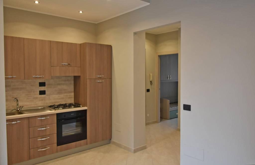 Appartamento in ottime condizioni arredato in vendita Rif. 8776599