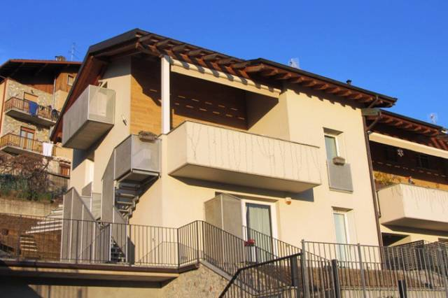 Appartamento in vendita a Zogno, 3 locali, prezzo € 189.000 | CambioCasa.it