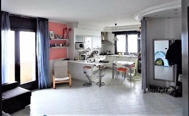 Appartamento in buone condizioni in vendita Rif. 4397123