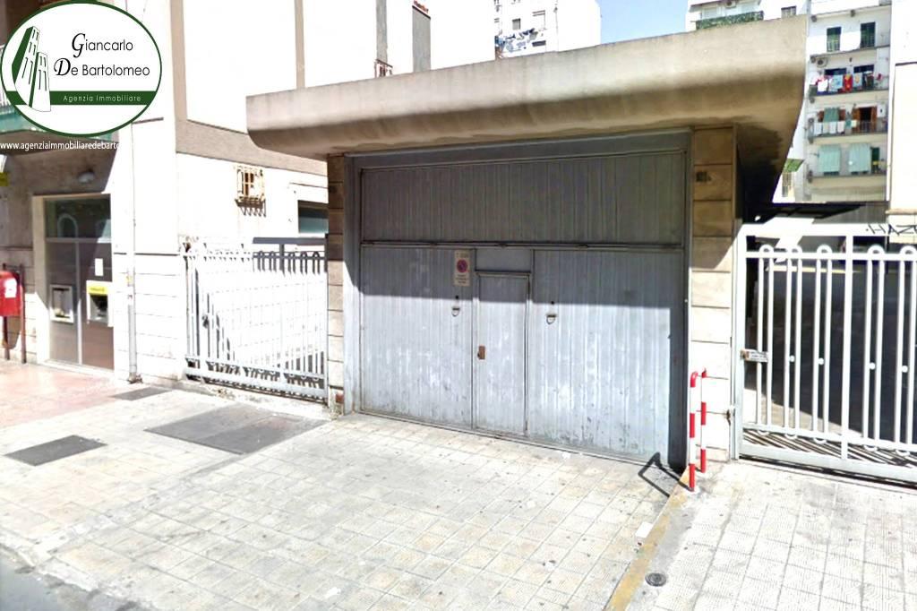 Negozio monolocale in affitto a Taranto (TA)