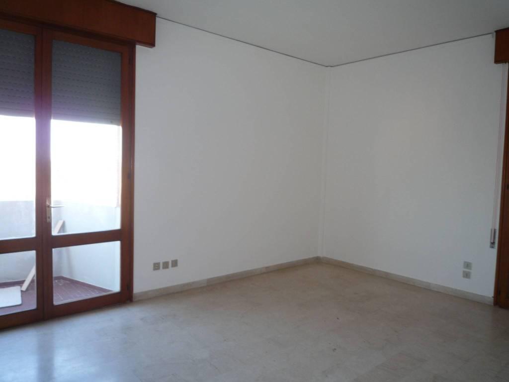 Appartamento in ottime condizioni in affitto Rif. 7859581