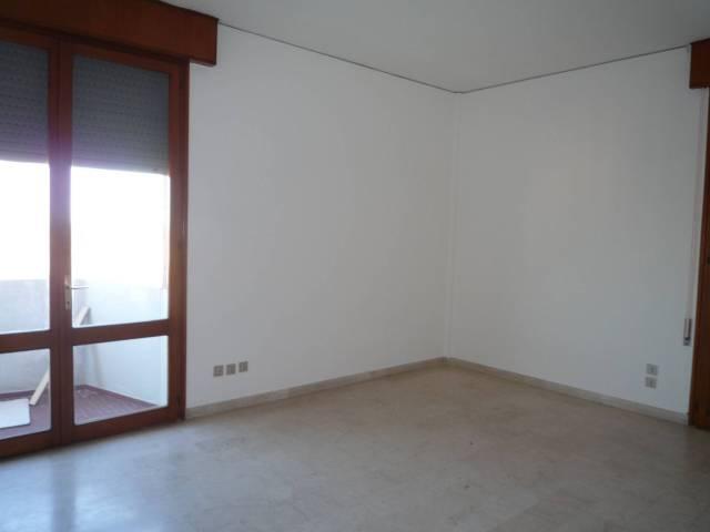 Appartamento in ottime condizioni in affitto Rif. 7139239