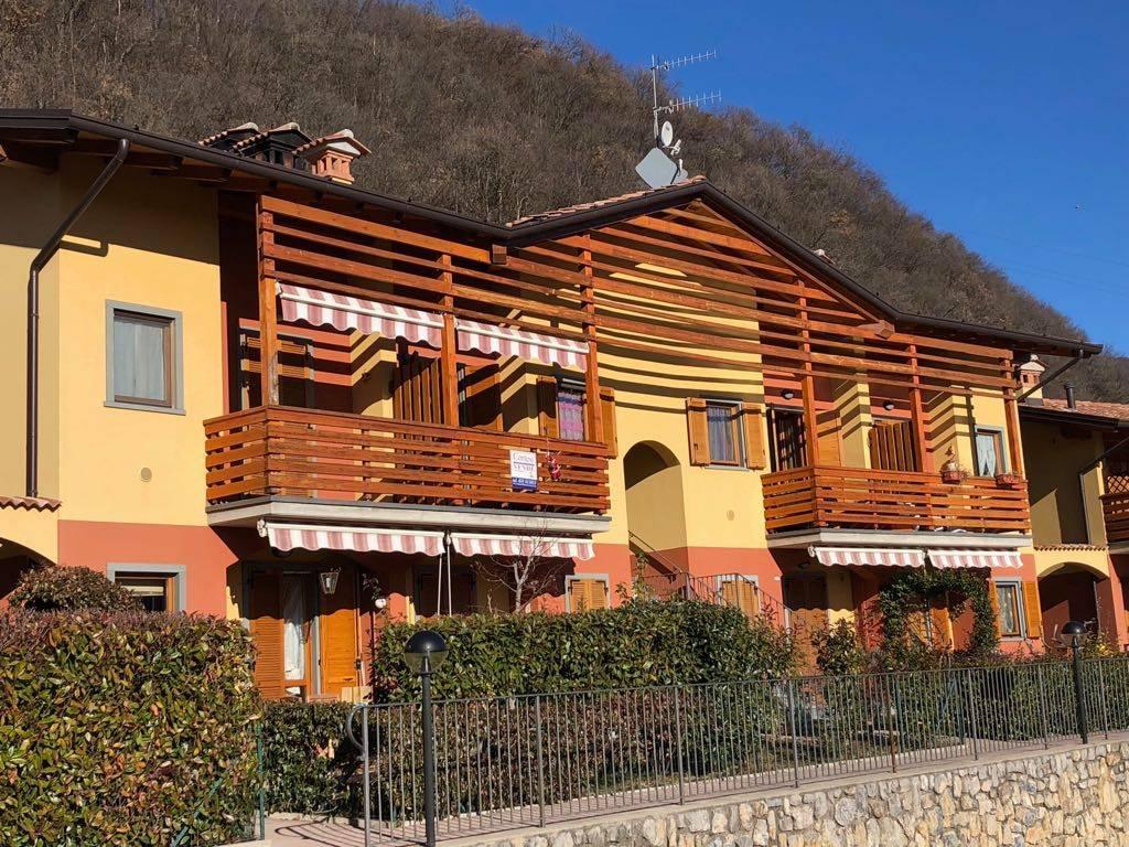 Appartamento in buone condizioni arredato in vendita Rif. 4914350