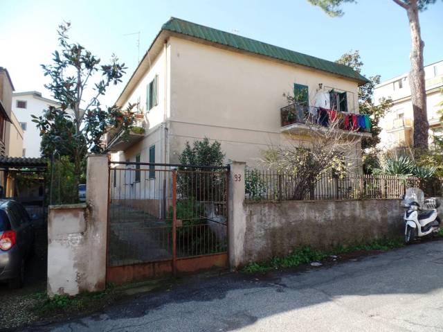 Stabile 6 locali in vendita a Roma (RM)