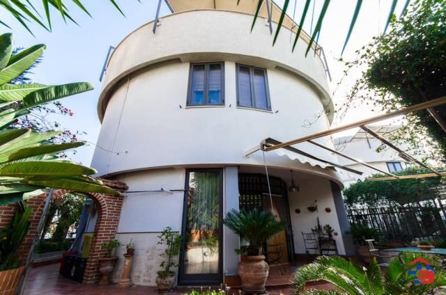 Villetta a schiera in buone condizioni in vendita Rif. 4418429