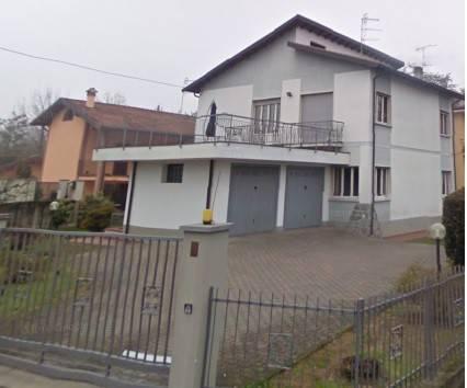 Villa in buone condizioni parzialmente arredato in vendita Rif. 8138307