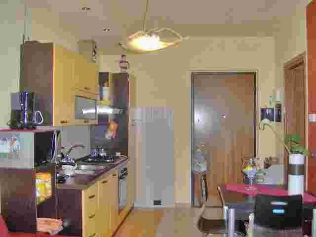 Appartamento in ottime condizioni parzialmente arredato in vendita Rif. 6950224