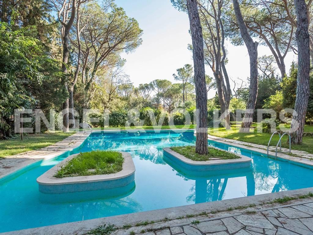 Appartamento in Vendita a Roma 36 Cassia / Olgiata: 5 locali, 370 mq
