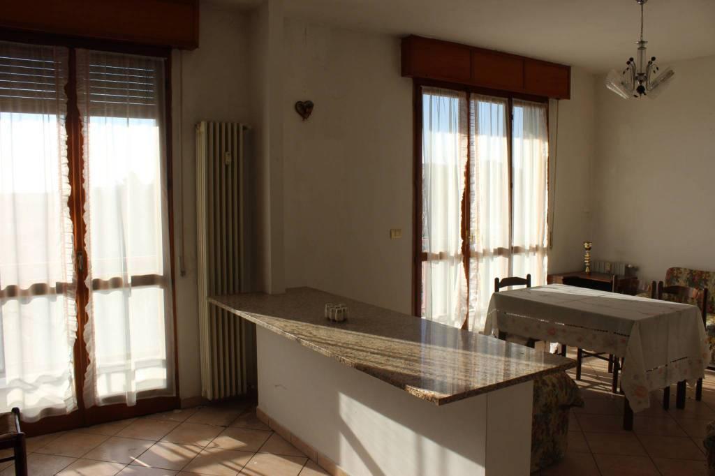 Appartamento in ottime condizioni in vendita Rif. 8977341
