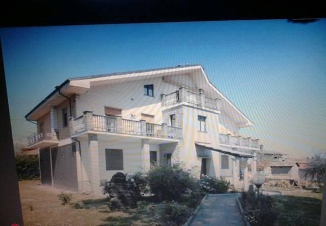 Appartamento in buone condizioni parzialmente arredato in vendita Rif. 7995050