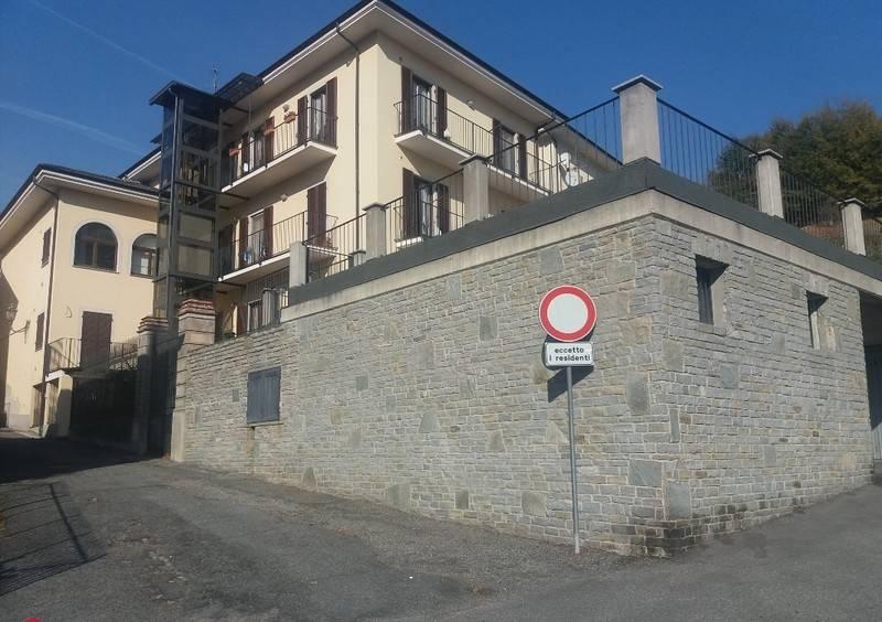 Appartamento in ottime condizioni in vendita Rif. 7995075
