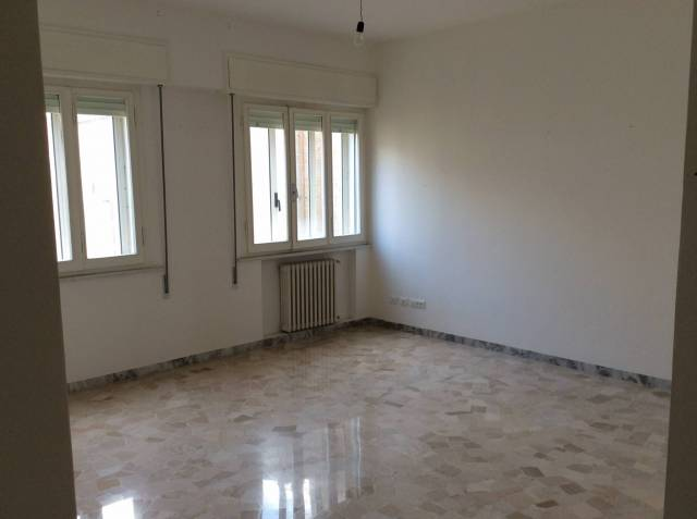 Appartamento in Vendita a Rimini Semicentro: 4 locali, 120 mq