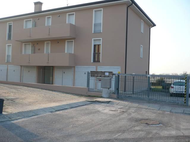 Appartamento in ottime condizioni in vendita Rif. 4935600