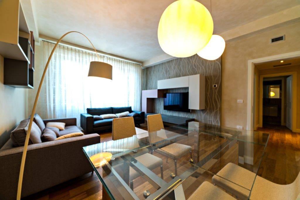 Appartamento in Vendita a Pisa Semicentro: 5 locali, 140 mq