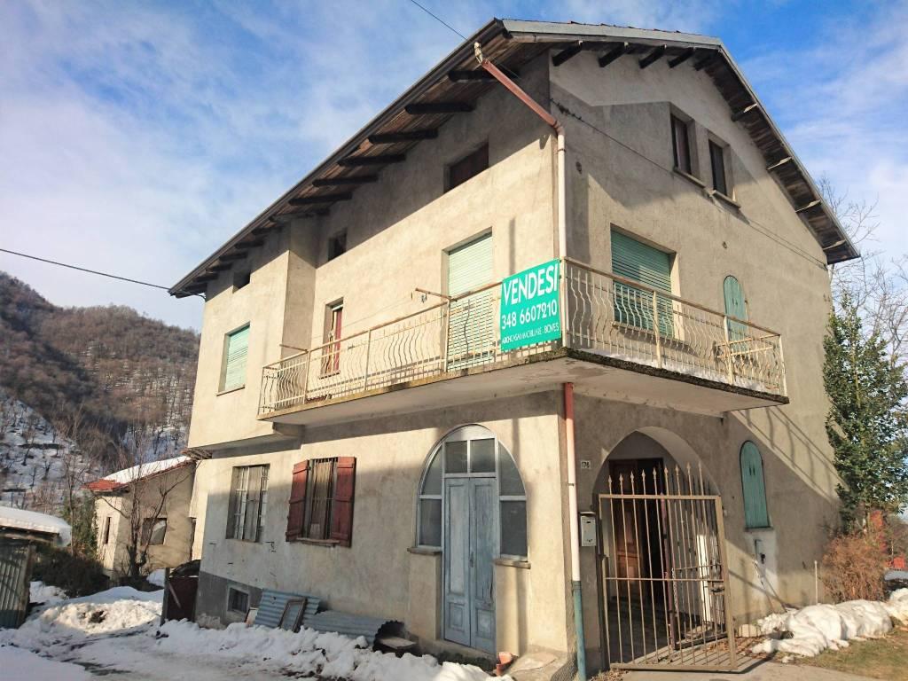 Foto 1 di Villa via Castellar 176, frazione Castellar, Boves