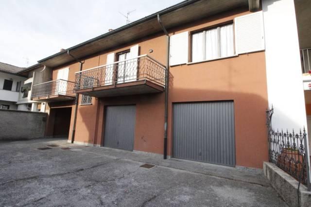Appartamento in buone condizioni in affitto Rif. 4214348