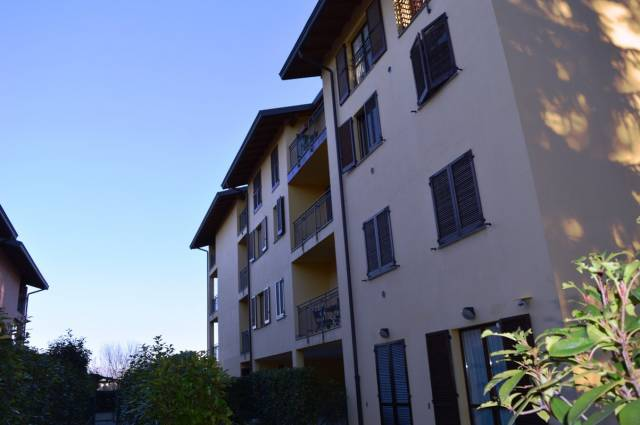 Appartamento in buone condizioni arredato in vendita Rif. 4601125
