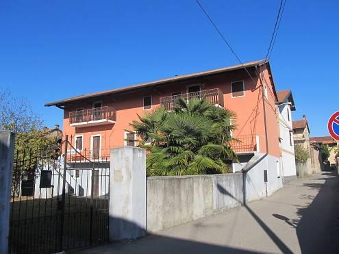 Rustico / Casale in vendita a Agrate Conturbia, 10 locali, prezzo € 70.000 | PortaleAgenzieImmobiliari.it