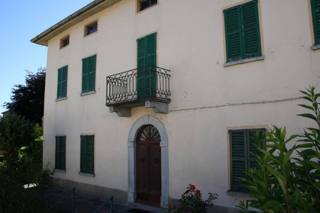 Villa in vendita a Laino, 8 locali, prezzo € 190.000 | PortaleAgenzieImmobiliari.it