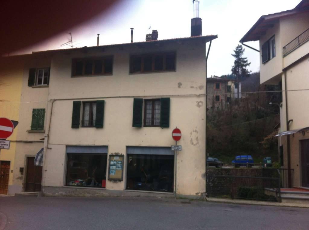 Attico / Mansarda in vendita a Vernio, 6 locali, prezzo € 52.000 | CambioCasa.it